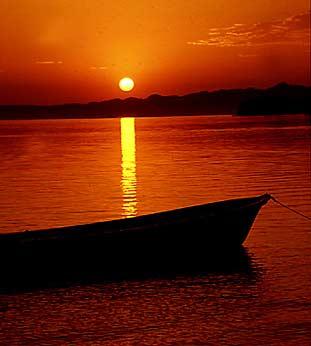 [baja_fishing_boat_at_dusk.jpg]