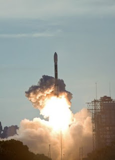 US sends 2 missile defense satellites into orbit
