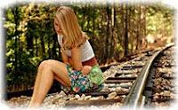 Девушка, железная дорога