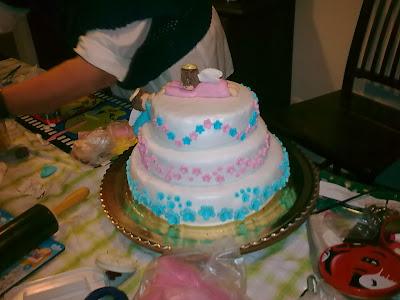 bolo de baptizado com anjinhos