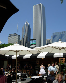 The Green at Grant Park in Chicago, golf + food and beer