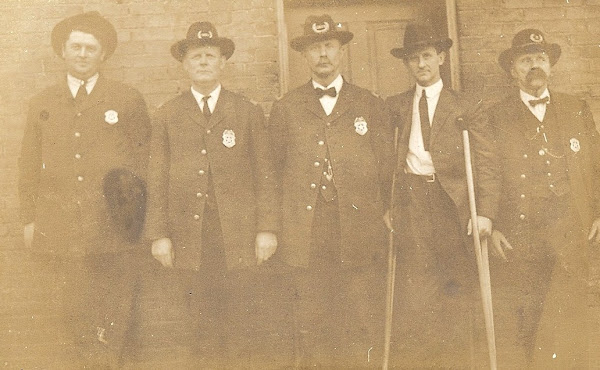 1911, Joe Wolfe served on the Hopkinsville Police Force