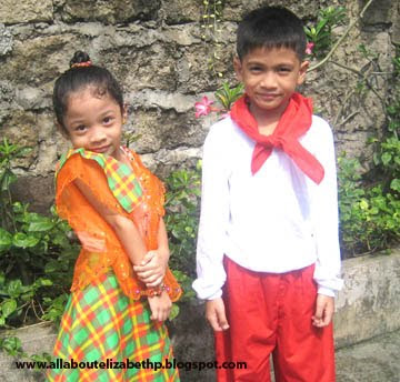 Besides the Maglalatik costumes that my son will wear at the school on the Linggo ng Wika this month, the school requested to dress up the students on Monday with Ethnic costumes.. My Philippine History is getting rusty so I forgot what the Ethnic Costumes looks like (except Igorot). I am glad that I am living in a modern world and I just need to ask Mr. Google to give me some ideas.