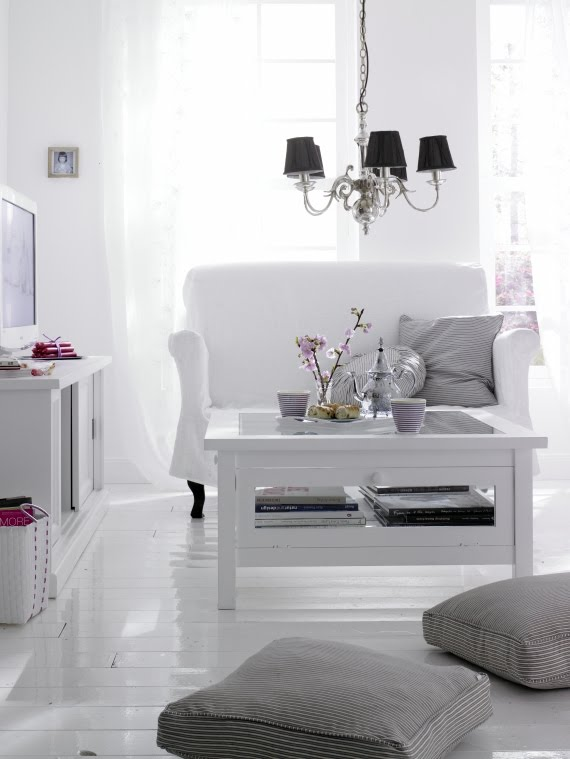 Superb Lovely White Rooms Stylizimo Download Free Architecture Designs Rallybritishbridgeorg