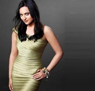 Dabangg Actress Sonakshi Sinha Hot Wallpapers, Photo & Pictures Gallery