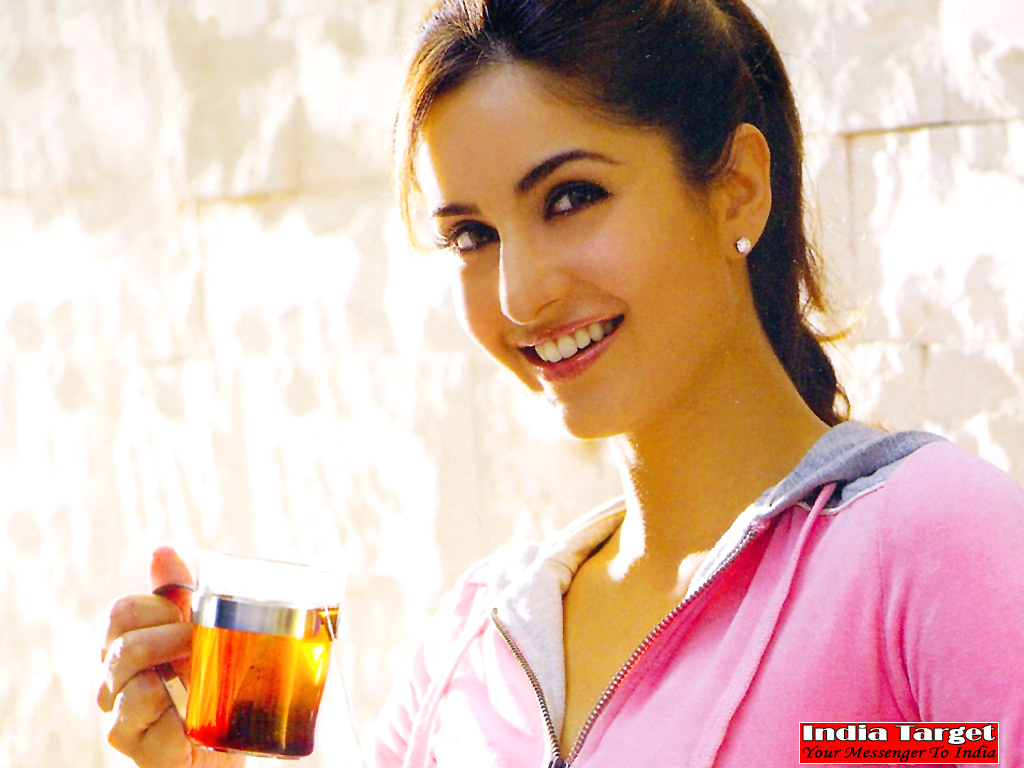 http://2.bp.blogspot.com/_H8Y9XEQXkGo/TKdGzX_L_3I/AAAAAAAALoI/WWlcoUA-Wdg/s1600/Latest+Bollywood+Actress+Katrina+Kaif++Wallpapers.1jpg.jpg