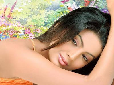 Geeta+Basra+Hot+Wallpapers.jpg (800×600)