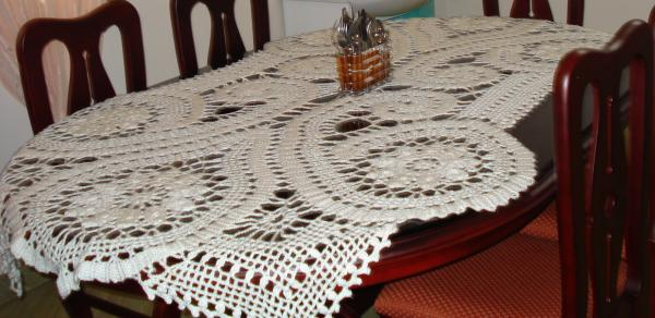 proudly presents my crochet table runners