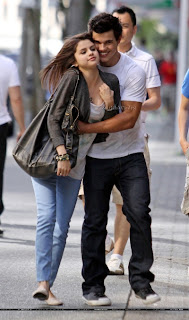 selena gomez taylor lautner pda session photos Hot Selina Gomez Hot Pics and Wallpapers