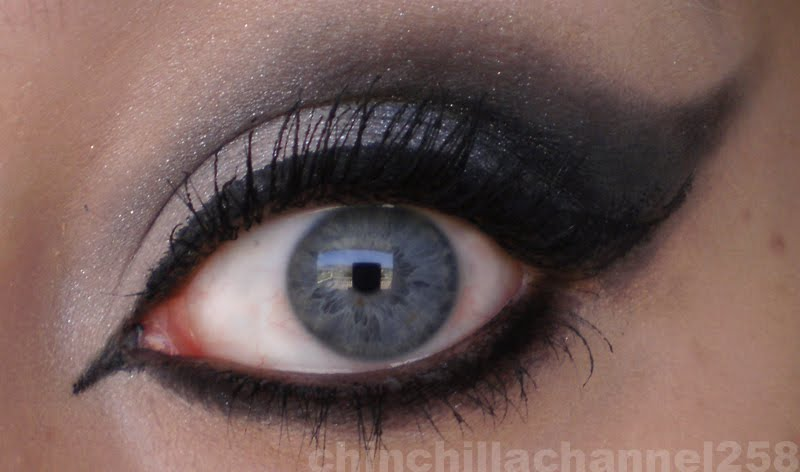 how to do dramatic eye makeup. in my eye make up.