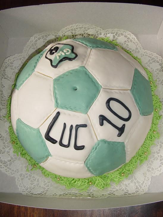 Groen Wit '62 taart voor Luc 10 jaar