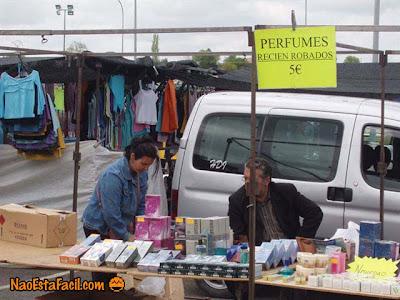 http://2.bp.blogspot.com/_HDY1fSHqkCM/SLKVIrfzMQI/AAAAAAAAB88/I4W5UTFwp_0/s400/perfumes.jpg