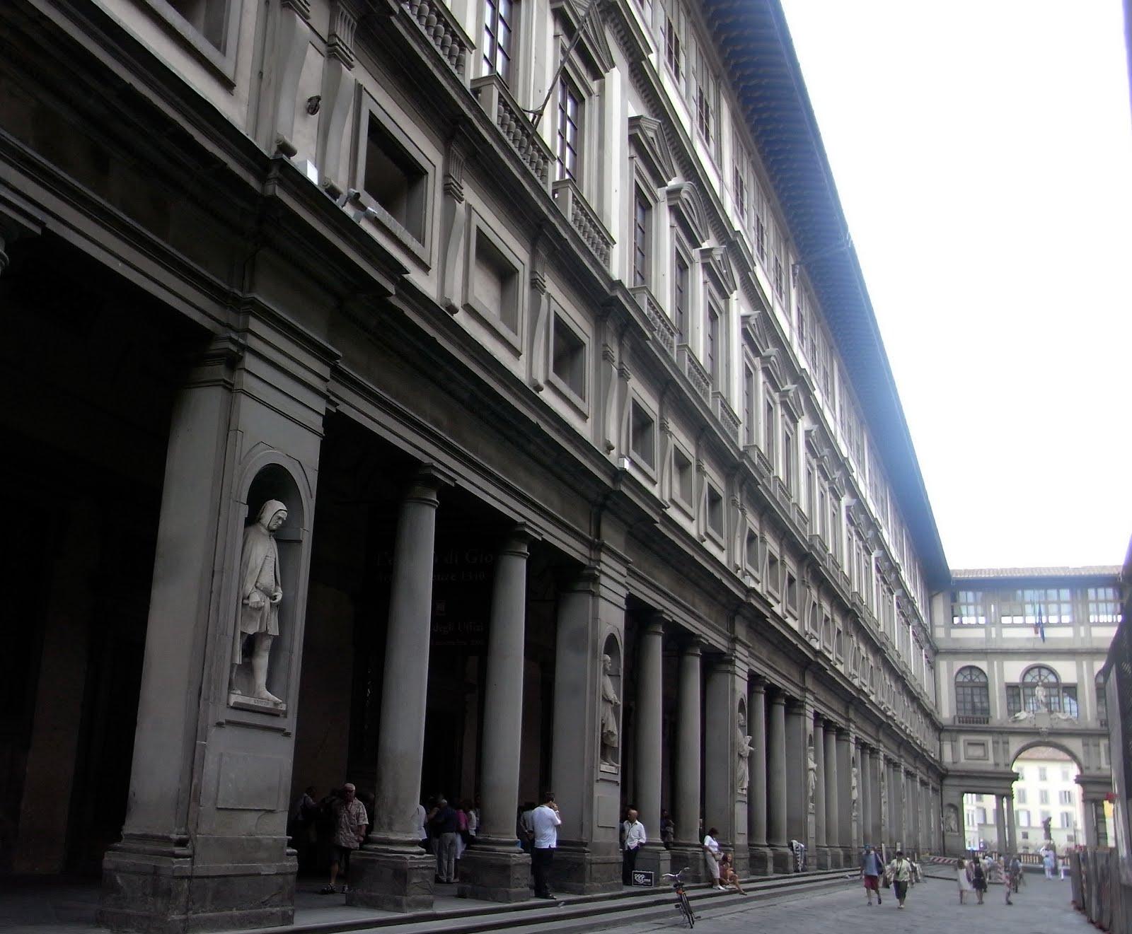 ウッフィーツィ美術館(外観)
