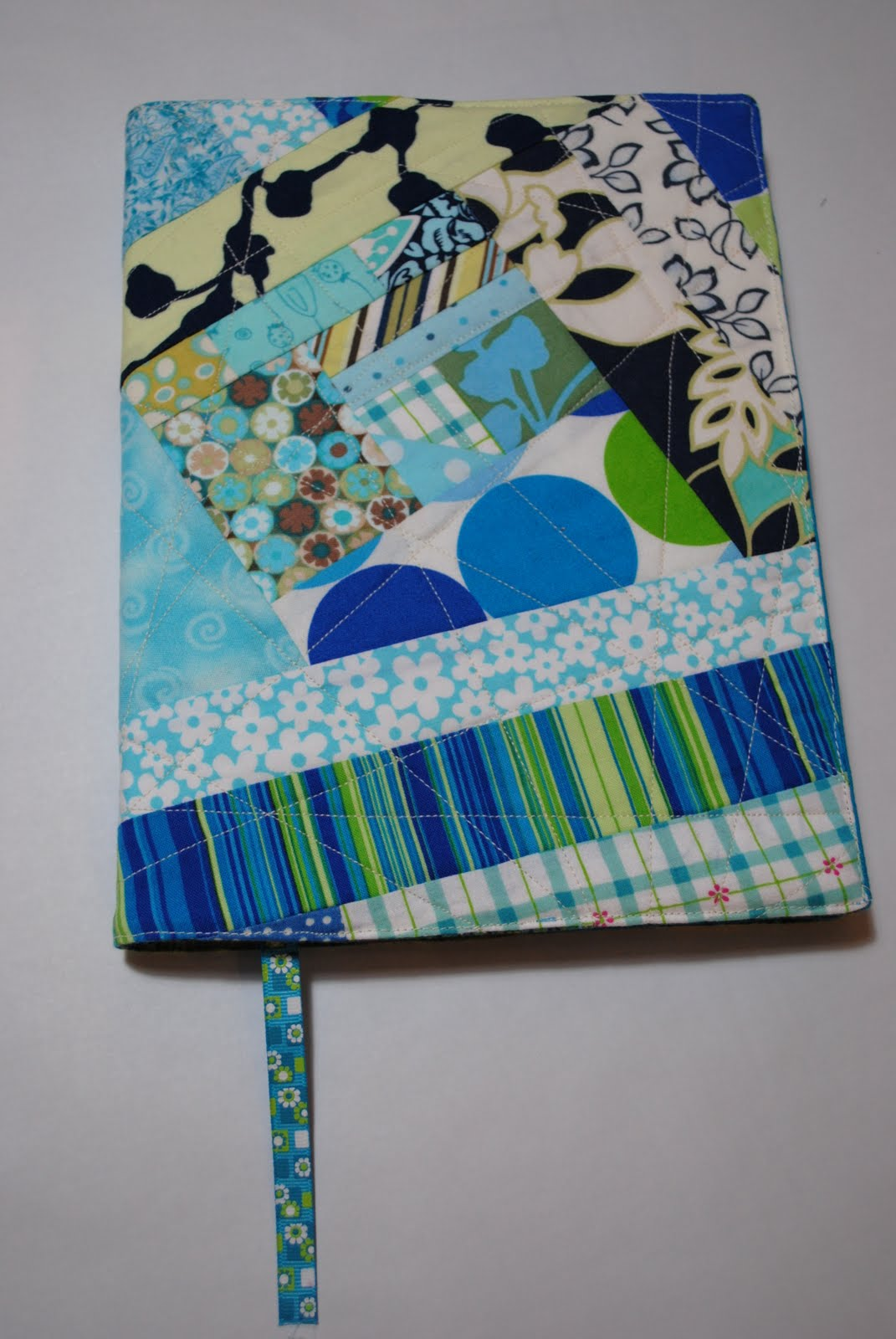 Sewing Fabric Book Cover ~ Sew me something good how to make a patchwork quilted