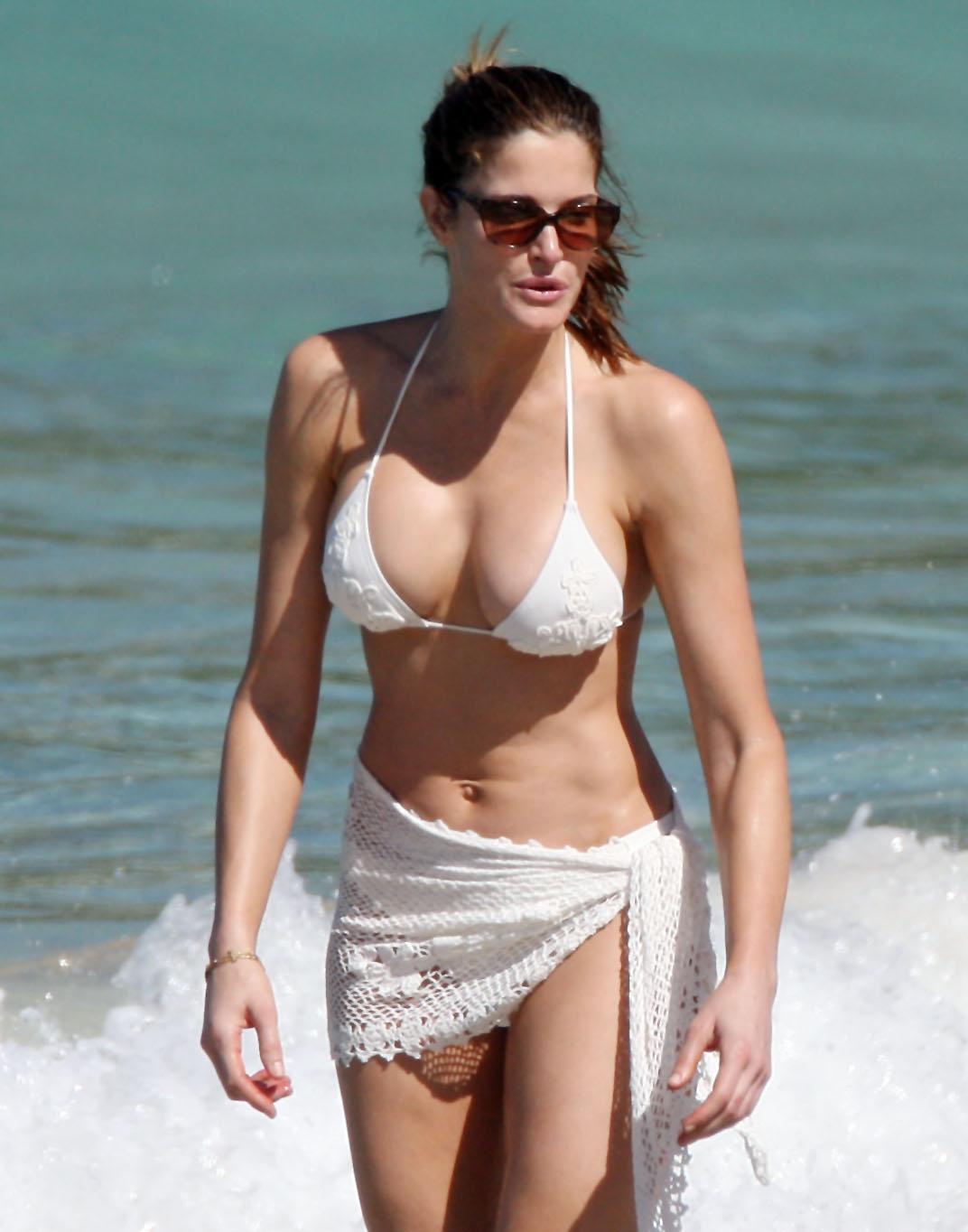 http://2.bp.blogspot.com/_HEjoNp_qRz8/TQ72psq5XRI/AAAAAAAAFRc/_LnegJSsq6c/s1600/Stephanie+Seymour+Most+Sexiest+Bikini+Photos+%25287%2529.jpg
