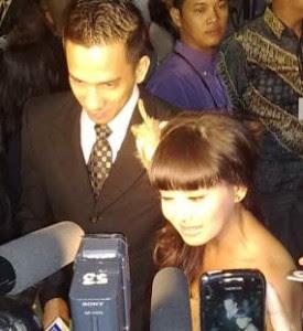 FOTO PRE WEDDING TERRY PUTRI DAN RULLY JOHAN