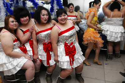 http://2.bp.blogspot.com/_HKkc8LVCxA0/S-KZb2cq-BI/AAAAAAAAB9o/Qzuk9tJQL1I/s1600/wanita-gemuk.jpg