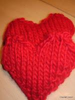 strikke sokker med hjerter