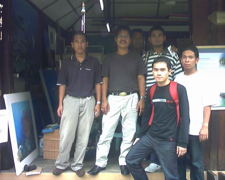 kenangan dengan pelukis dasar laut Malaysia En. Ajis