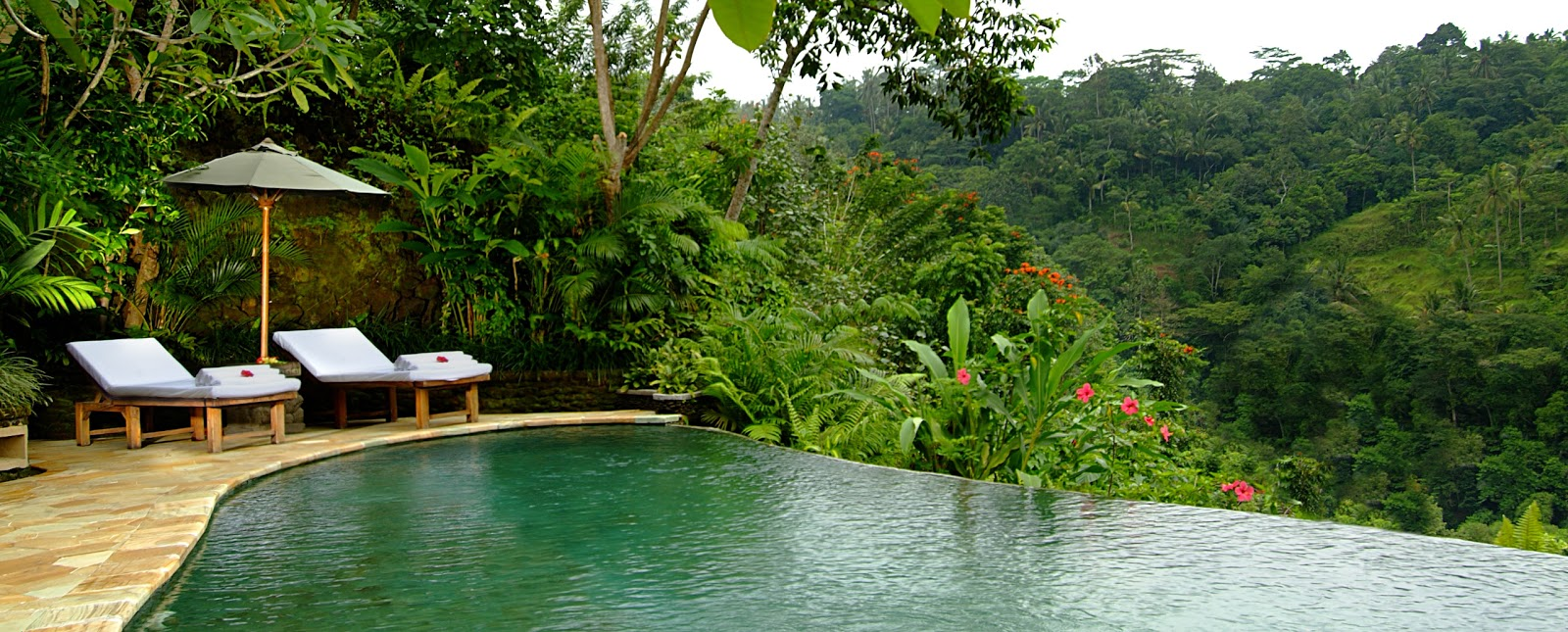 Pictures of bali beautiful hotel in bali royal pita maha for Garden pool villa ubud