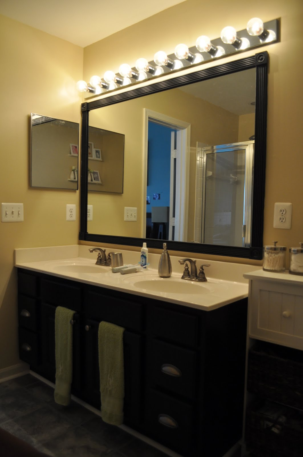 Black Bathroom Vanity Mirror and Light