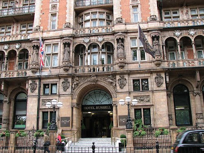 Big ben chocolate hotel russell london for Hotels ussel