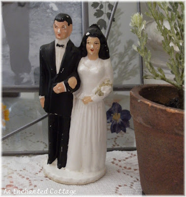 When I happened across this vintage bride groom wedding cake topper last