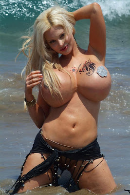 http://2.bp.blogspot.com/_HYIf67BzfOs/SLyfdGmLOLI/AAAAAAAAAAQ/5ivh-risIXs/s400-R/SABRINA+SABROKENLAPLAYA01.jpg