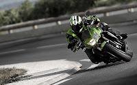 2011 Kawasaki Z750R | Motorcycle Zone Video