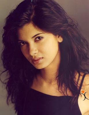 Diana Penty replaces Anushka Sharma?