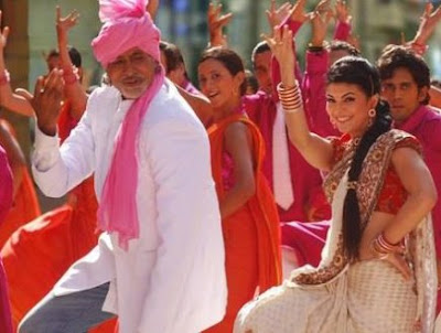 Jacqueline Fernandez dances on the tunes of bhangra with Big B