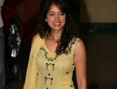 Vidya attends Mata Ki Chowki