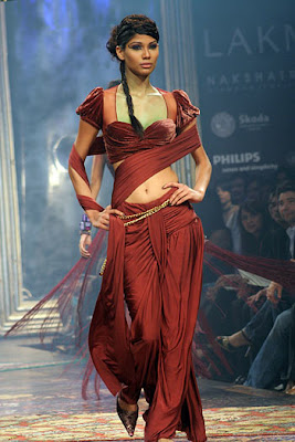 Nicole Faria exhibits design by Tarun Tahiliani