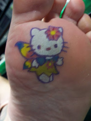 Labels: sexy hello kitty tattoos on feet