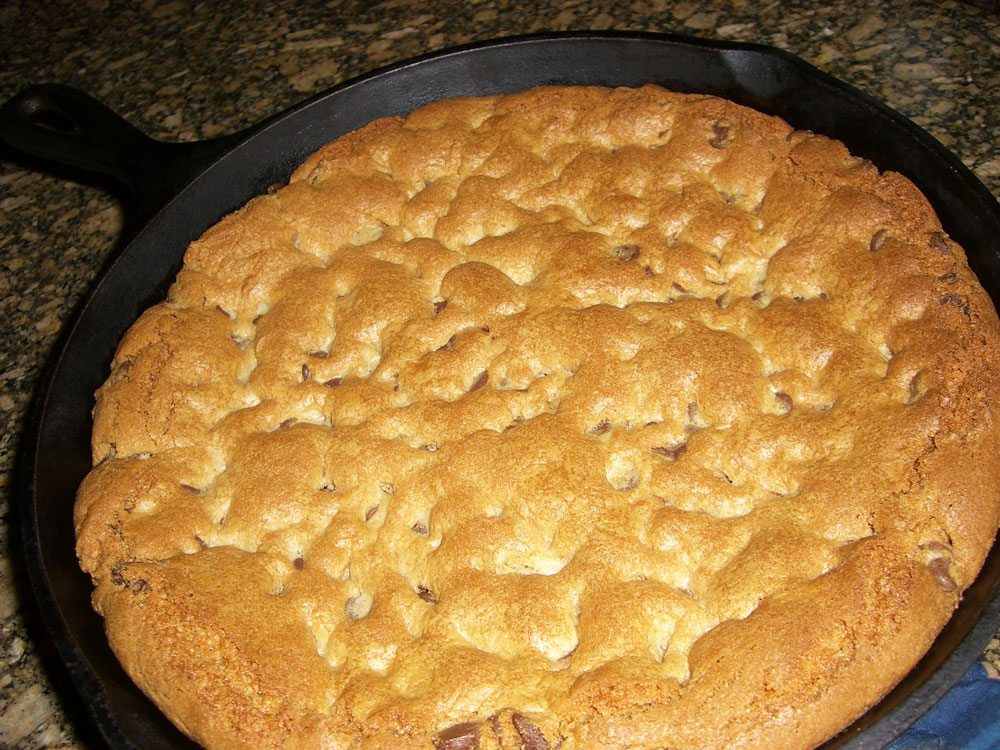 Maple Macaroni: Skillet Chocolate Chip Cookie