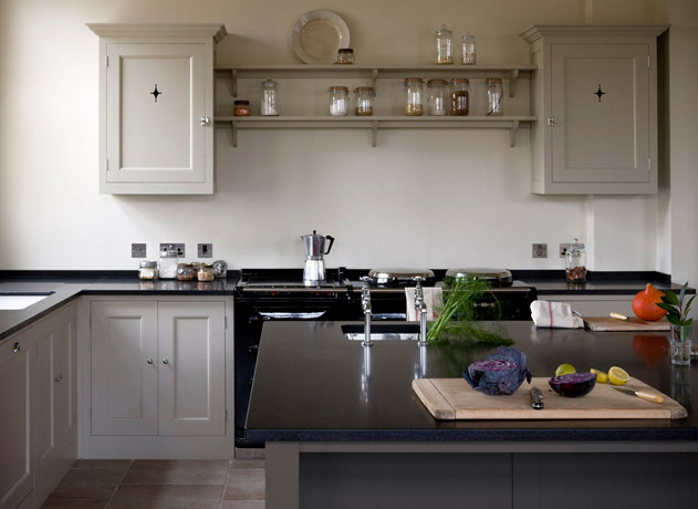 from little acorns a cute little cottage. Black Bedroom Furniture Sets. Home Design Ideas