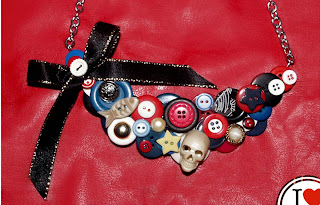 button statement necklace