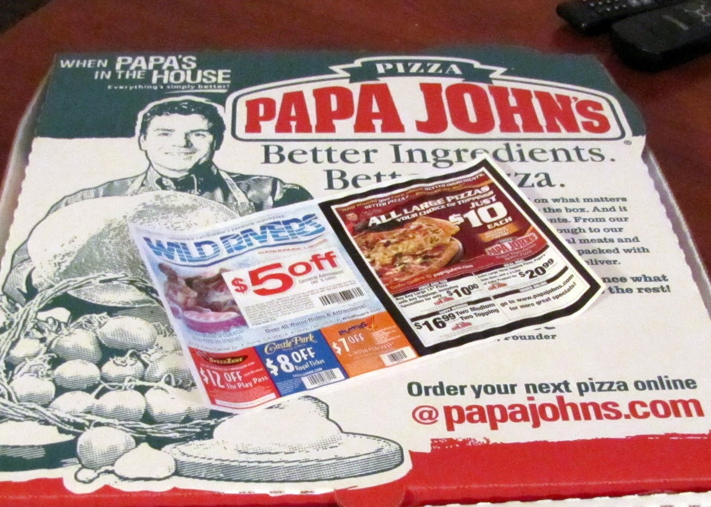 Smells Like Food in Here: Papa John's The Works Pizza Papa Johns Pizza Box Opened