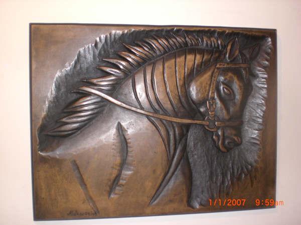 Corcel tallado en madera