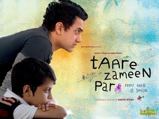 Image result for तारे ज़मीं आमिर खान को उनकी फिल्म पर'