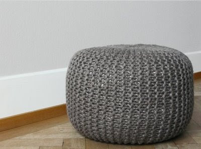 knit kit grobmaschiger pouf. Black Bedroom Furniture Sets. Home Design Ideas