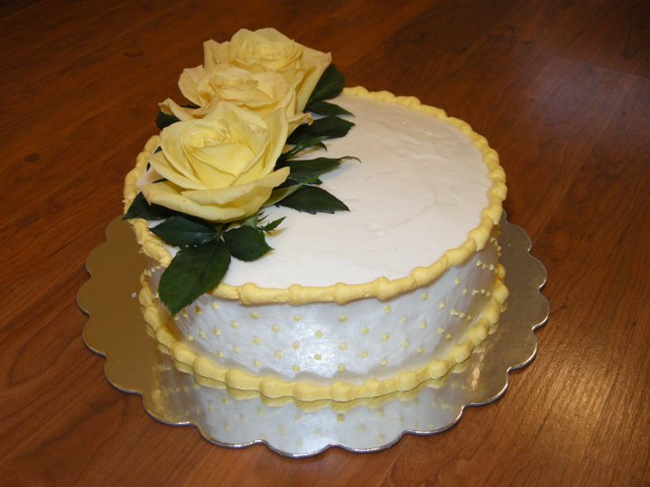 Birthday Cake Images Real : Sweetest Expressions: A Birthday Cake with REAL Yellow Roses