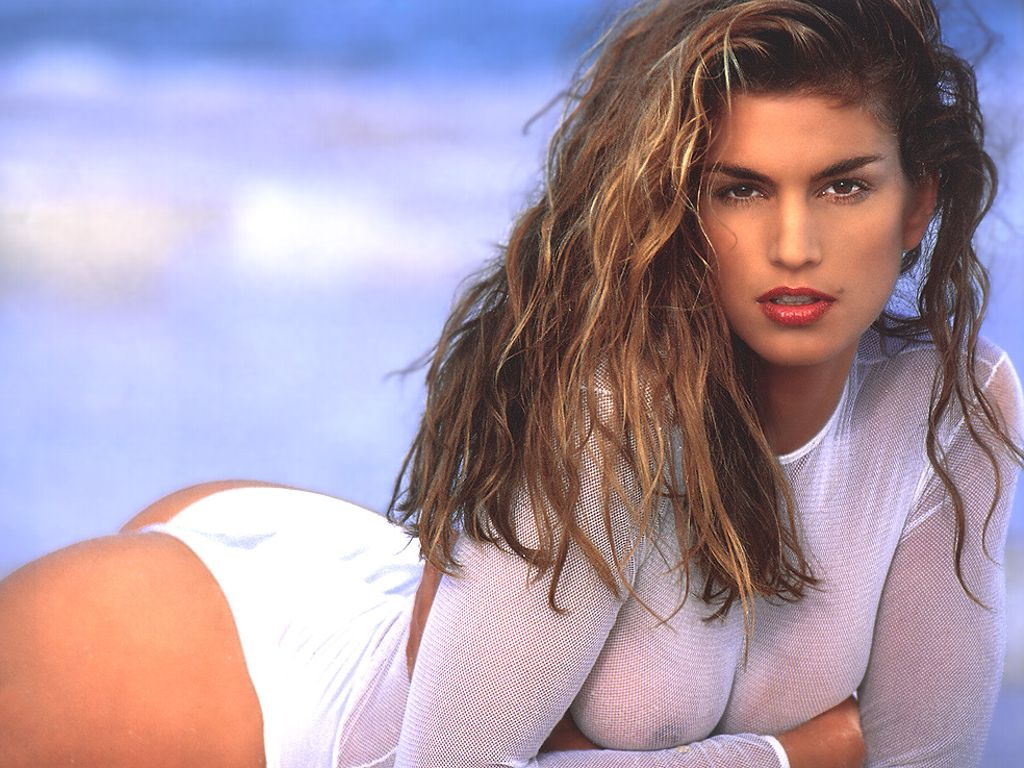 cindy crawford naked allure