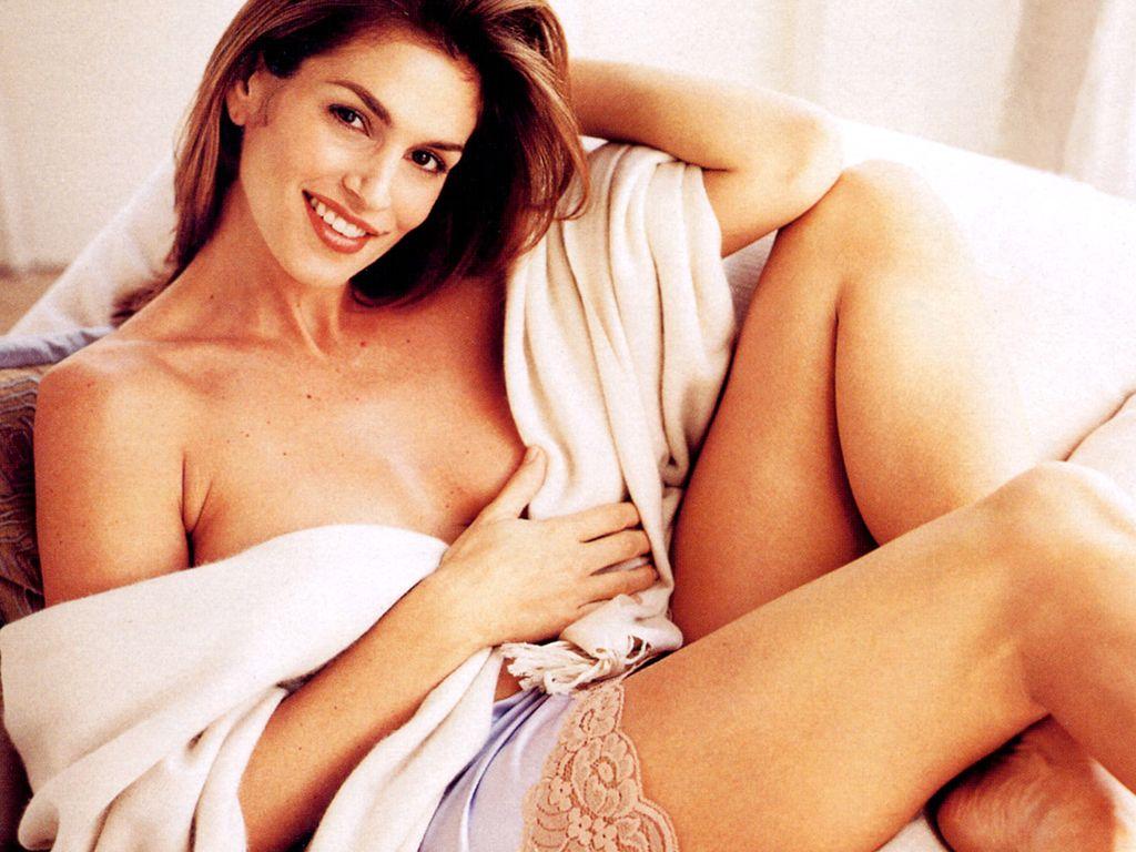 http://2.bp.blogspot.com/_HlT90jzckeQ/TMlgF7fWBHI/AAAAAAAABvw/_KhmRDWJJNc/s1600/Cindy-Crawford-2.JPG