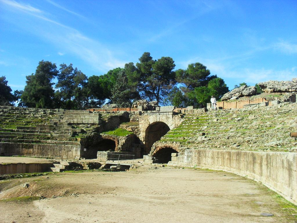 Turismo en c ceres anfiteatro romano m rida for Oficina de turismo de merida