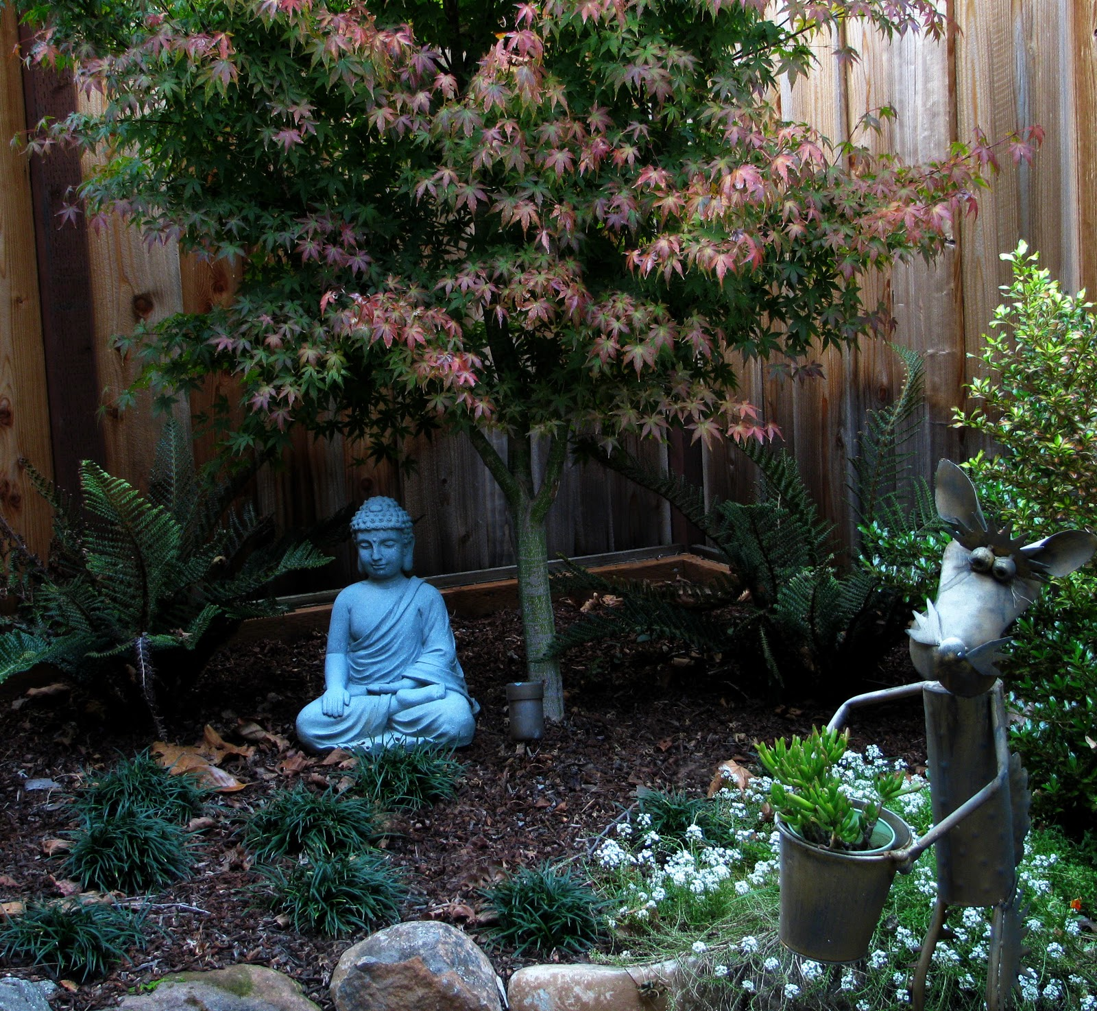 Interleafings garden designers roundtable expanding for Small zen garden designs