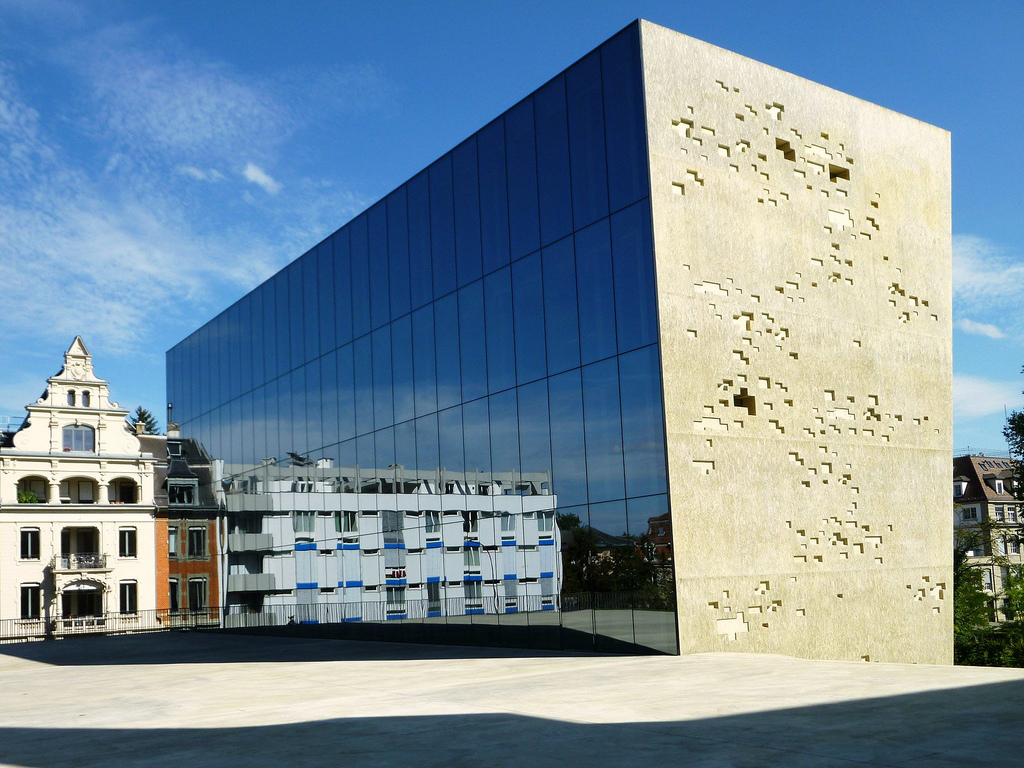 Arch plus 355 titan extension to the historical museum for Extension architecte