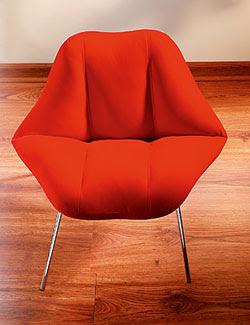 Cadeira em formato de Beijo e Boca