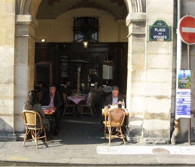 Place des Vosges Ma Bourgogne cafe
