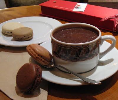 paris breakfasts la maison du chocolat chocolat chaud. Black Bedroom Furniture Sets. Home Design Ideas